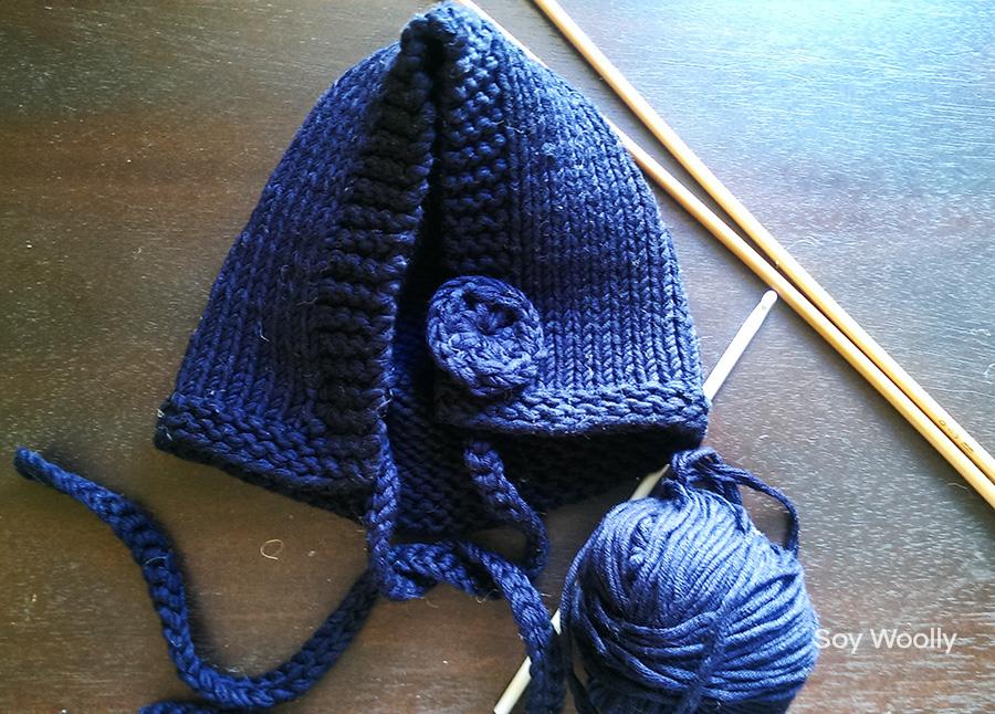 Un patrón muy fácil para tejer una capota o capucha con dos agujas