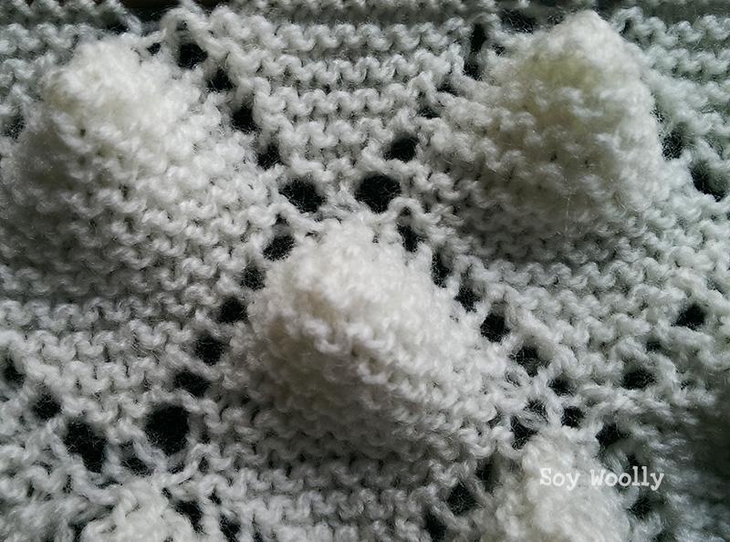 Detalle del punto portugués reversible para mantas de bebé-Soy Woolly