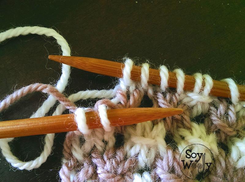 Tejer en dos colores punto, palillos. Soy Woolly