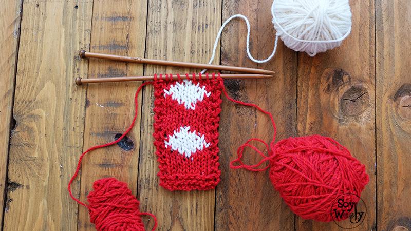 Combinar colores tejiendo en dos agujas tutorial intarsia en espanol - Soy Woolly