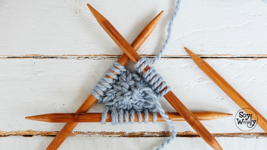 Tejer círculo de punto con cuatro agujas-Soy Woolly
