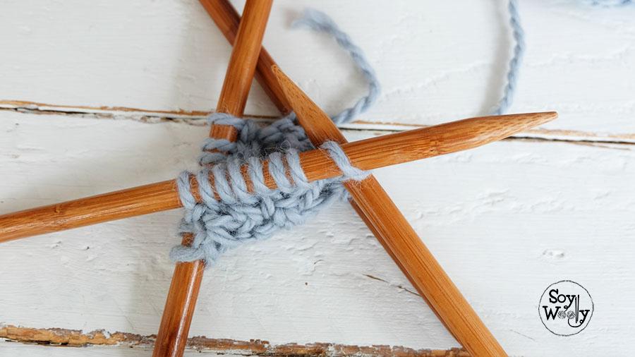 Tejer en redondo con cuatro agujas palillos-Soy Woolly