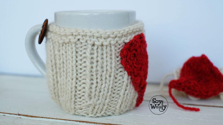 Funda para taza con corazon-Soy Woolly