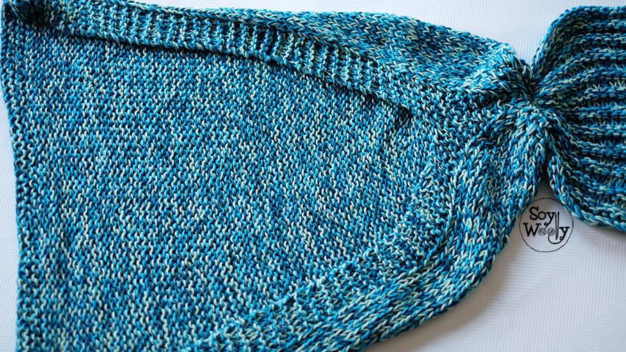 cola de sirena tejida en dos agujas palillos tricot