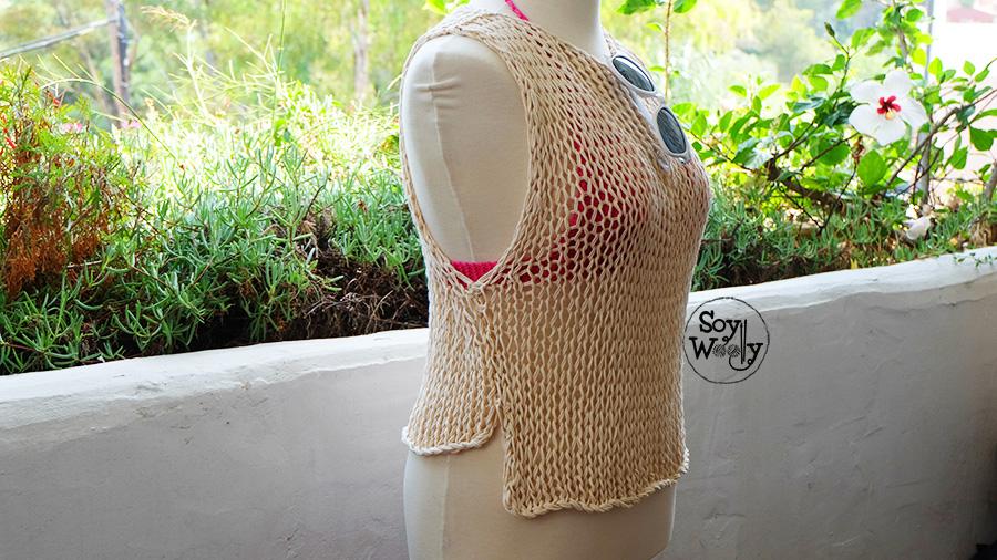 Camiseta sin mangas de verano tejida en dos agujas