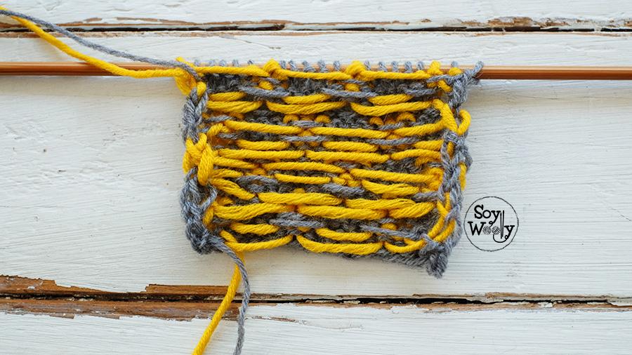 Tejer dibujos en colores con dos agujas palitos tricot