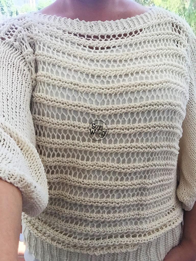 Chaleco de mujer con manga murcielago tejido a palillos