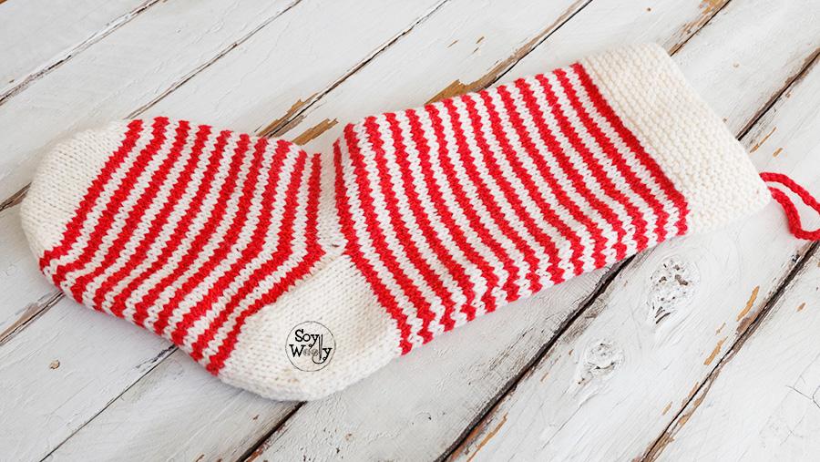 Patrón gratuito para tejer una Bota de Navidad en dos agujas, palillos, palitos, calceta, tricot. Soy Woolly