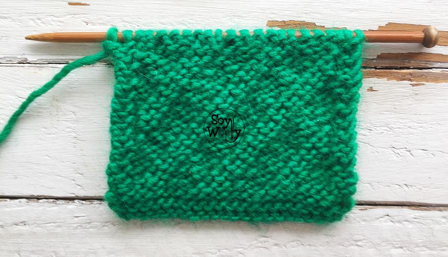 Patrones de puntos diagonales en dos agujas, palillos, tricot, calceta. Soy Woolly.