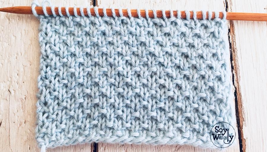 Punto Arena, especial para tejer ropa de bebé en dos agujas, palillos, palitos. Soy Woolly.