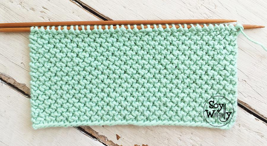 Cómo tejer el Punto Nudo Rizado en dos agujas: cuatro vueltas o hileras, y  no se enrosca. Soy Woolly.