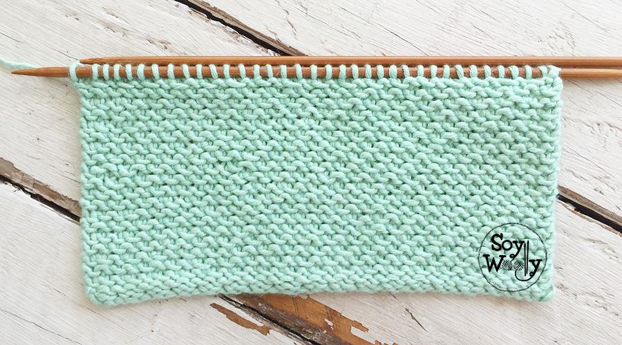 Muestrario de puntos tejidos en dos agujas, palitos, calceta, tricot, palillos: incluyen patrones escritos y vídeo tutoriales. Soy Woolly.