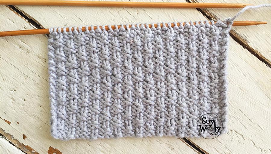 Punto Perlado fácil tejido en dos agujas (reversible y no se enrosca). Soy Woolly.