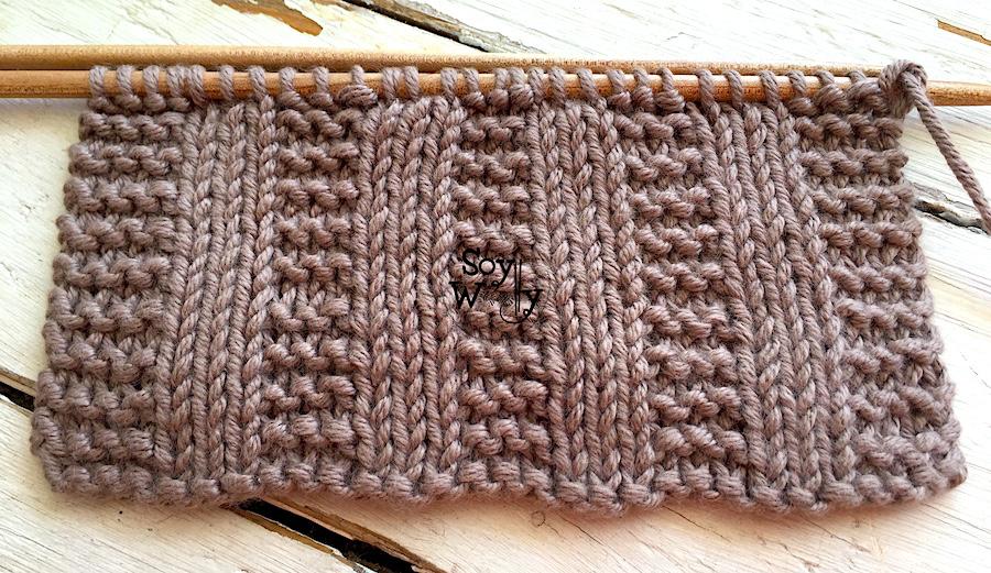 Puntada líneas verticales en Punto Bobo y Punto Liso tejida en dos agujas o palitos. Soy Woolly.