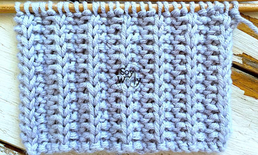 Puntada reversible en sólo dos hileras y que no se enrosca, tejida en dos agujas, tricot, calceta. Soy Woolly.