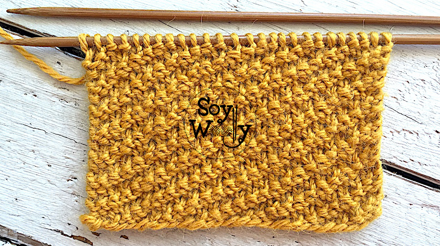 Puntadas fáciles reversibles tejidas en dos agujas o palillos. Soy Woolly.